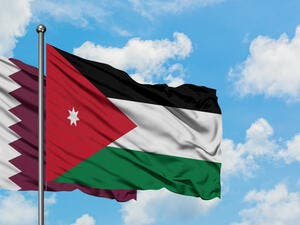 The current Qatari investments in Jordan amounts to nearly $ 2 billion in various sectors including energy, real estate, stock exchange, banks, tourism services, education and health.