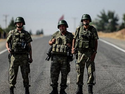 Turkish Soldiers on the Turkish-Syrian border (AFP File Photo)