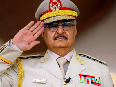 Libyan strongman Khalifa Haftar in military parade in the eastern city of Benghazi. AFP / Abdullah Doma