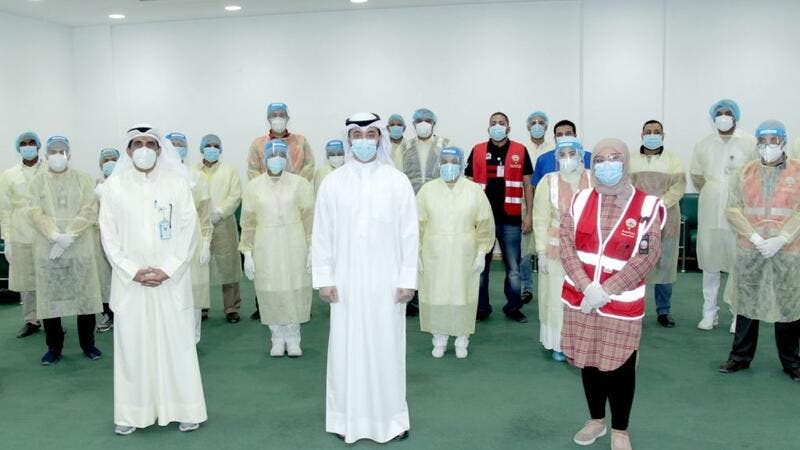 Dr. Saqr Al Mulla with the team of the Ministry of Health (Photo: Arab Times)