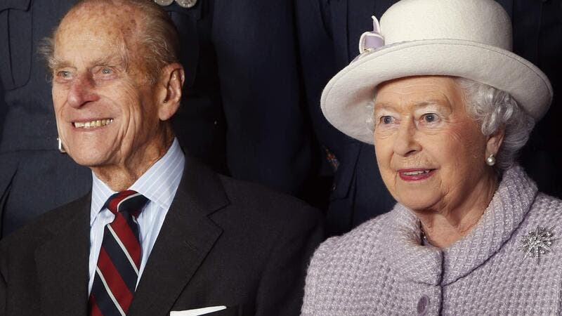 الملكة إليزابيث والأمير فيليب