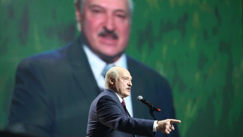 Belarus: Lukashenko sworn in as president