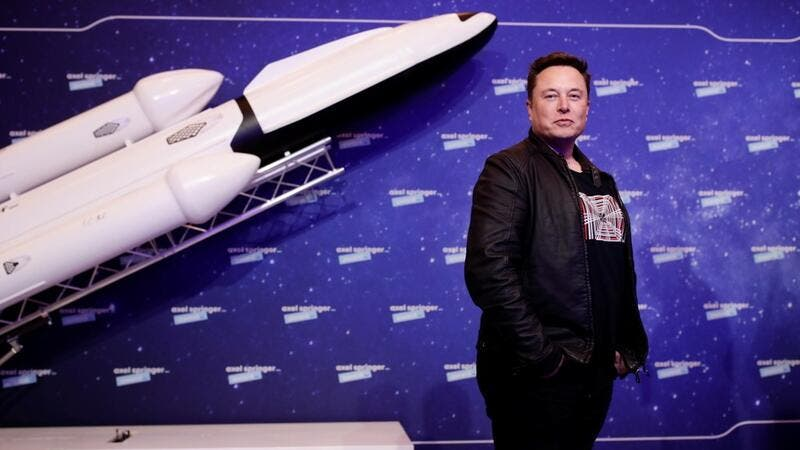 Tesla : Elon Musk Says He Has Moved to Texas