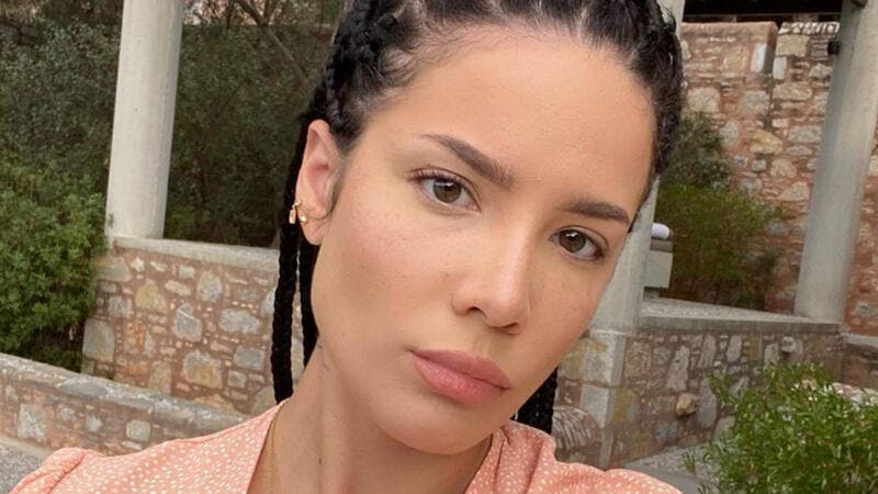 Singer Halsey takes to Instagram to announce her pregnancy