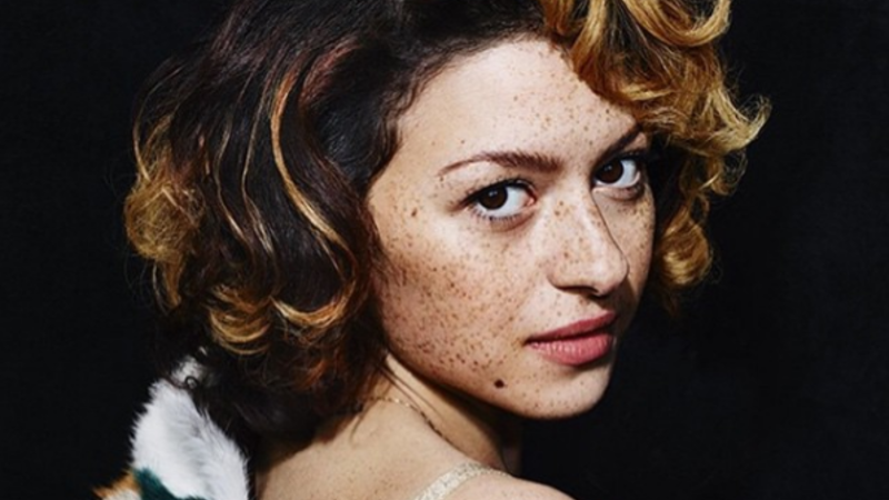 Alia was born and raised in the US by an Iraqi father and Norwegian-Irish-Italian mother. (Instagram/Alia Shawkat)