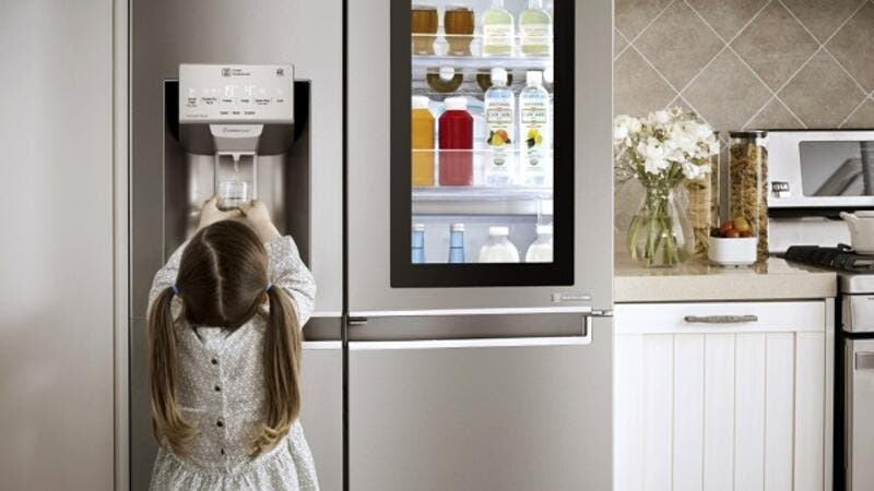 The LG Instaview Door-in-Door design incorporates a sleek mirrored glass panel that illuminates with two quick knocks.