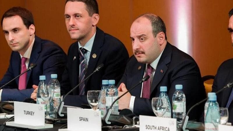 Turkey's Industry and Technology Minister Mustafa Varank (2nd R) attends G20 Digital Economy Ministerial Meeting in Salta, Argentina on August 24, 2018. (AA)