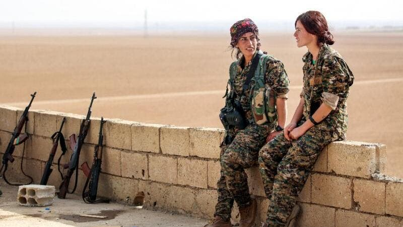 Syrian Kurdish female fighters (AFP/File)