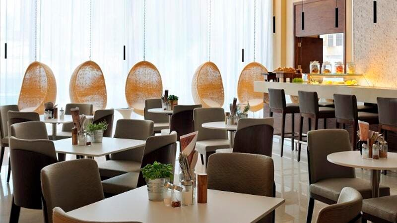 Fifth Street Cafe_Courtyard by Marriott World Trade Center, Abu Dhab