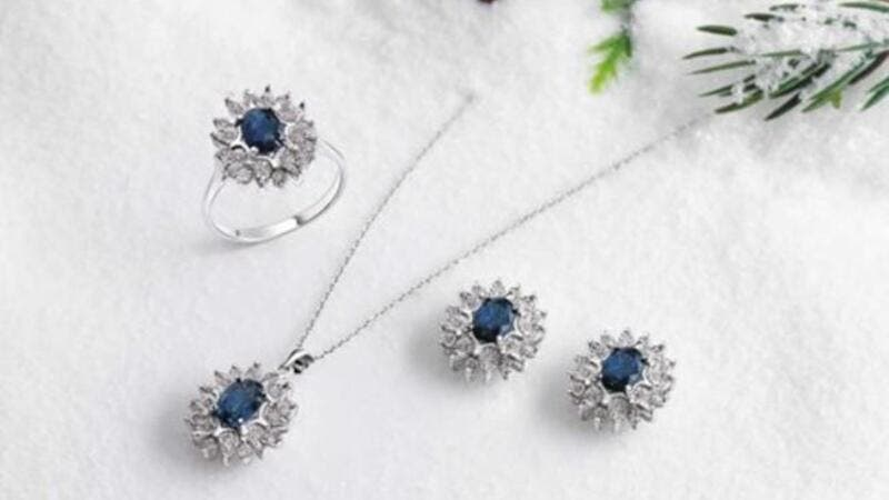 Style This Winter With Damas