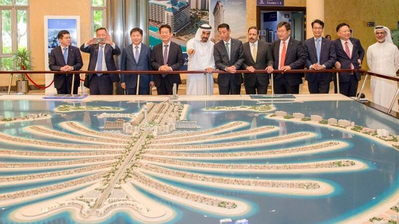 The group, welcomed by Nakheel Chairman Ali Rashid Lootah, discussed the company's current and planned projects and the real estate investments on offer in Dubai.