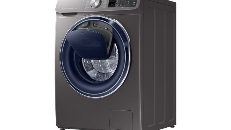 Samsung's exclusive QuickDrive™ technology which dramatically reduces the time it takes to do a load of laundry.