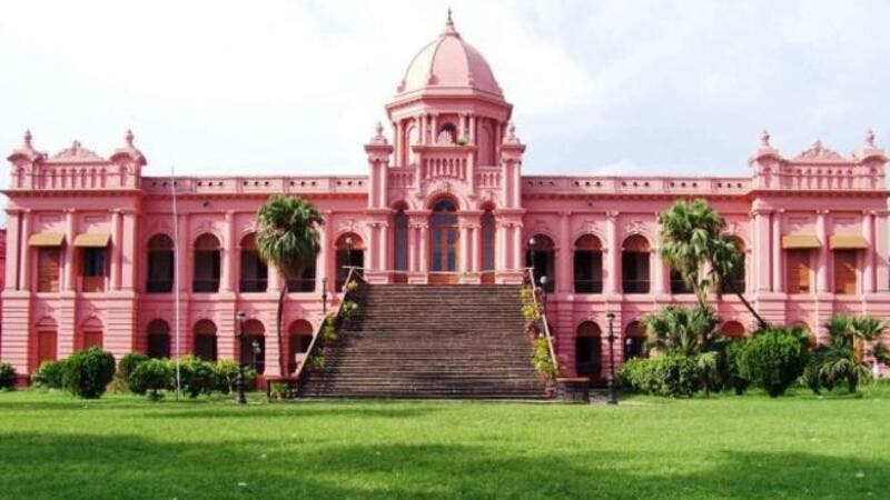 Ahsan Manzil, or the Pink Palace, which houses a museum, is one of the most prominent sights to visit in Dhaka