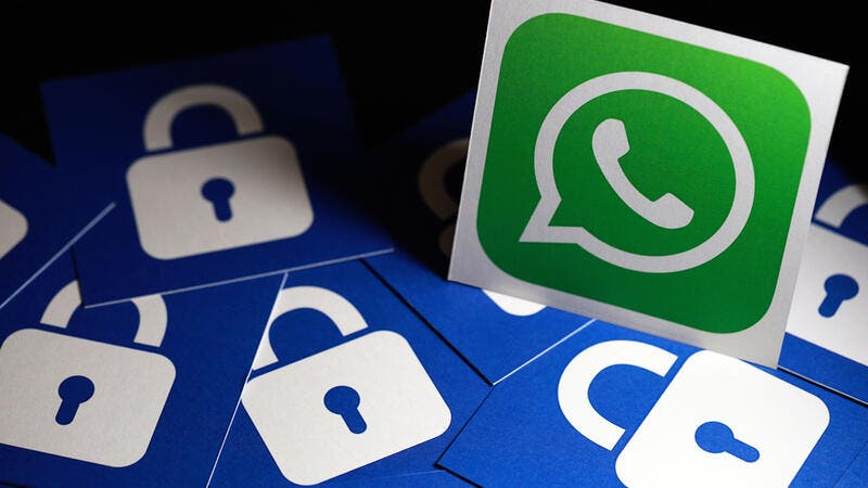 India: Traders Demand Ban on WhatsApp, Facebook