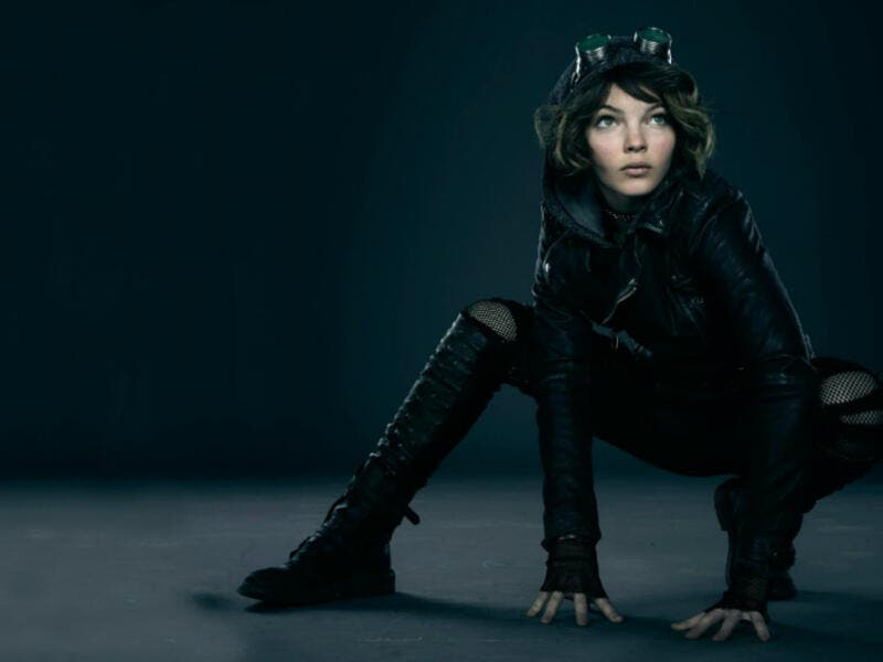 Camren Bicondova plays a young Selina Kyle in the series, Gotham which premiered in 2014