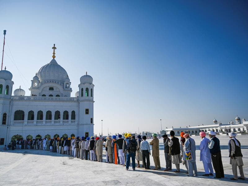 Hundreds of Indian Sikhs made a historic pilgrimage to Pakistan, crossing through a white gate to reach one of their religion's holiest sites (Twitter)