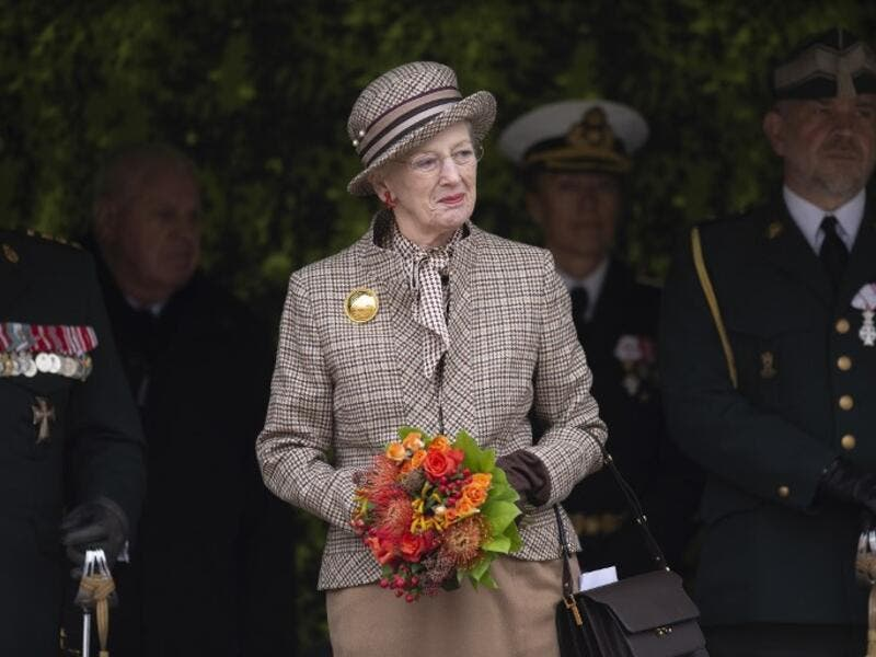 Queen Margrethe of Denmark participates in a wreath laying ceremony to mark the 100th anniversary of the end of World War I in Mindeparken in Aarhus, on November 11, 2018. 