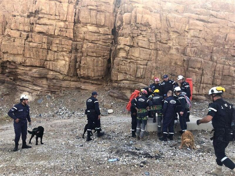 Jordanian rescue teams, 2000 personnel, were involved in the search and rescue operation (Twitter)