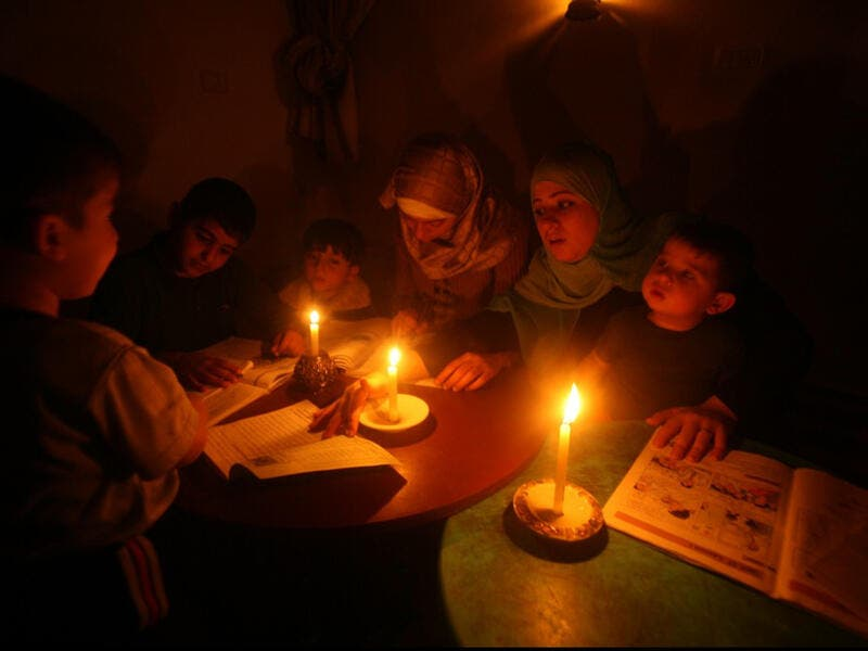 palestinian candles electricity outage