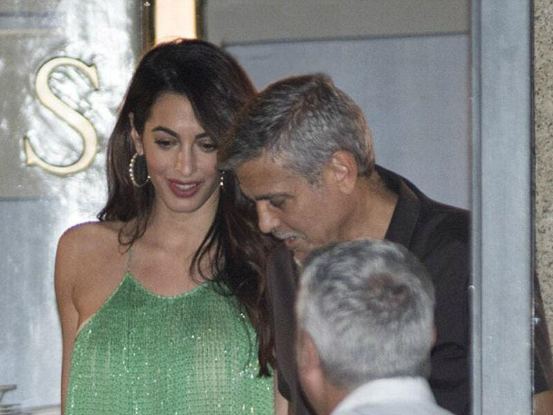George and Amal go for a bite. (MEGA)