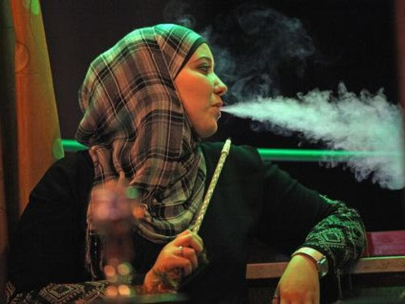 As with most things, '3aib' comes down harder on women. A woman seen smoking cigarettes in public is 3eeb in a number of MENA countries as it suggests she has loose morals. Some even go as far as to frown on women smoking argeeleh.