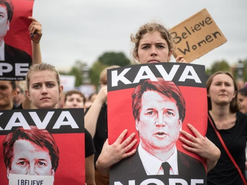 Women demonstrators protest against the appointment of Supreme Court nominee Brett Kavanaugh. (ROBERTO SCHMIDT / AFP)