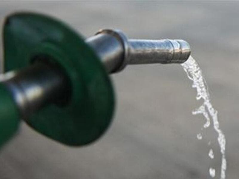 Prices of oil derivatives in the local market are calculated based on international oil prices. (File photo)