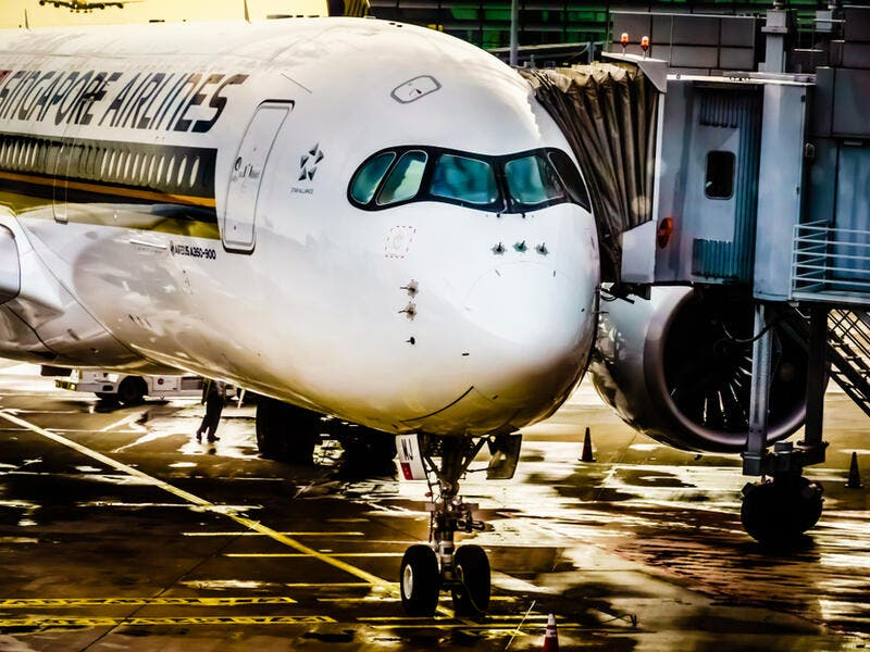 2. Singapore Airlines: Singapore Airlines Limited is the flag carrier airline of Singapore with its hub at Singapore Changi Airport. It is one of the most respected travel brands around the world. Flying one of the youngest aircraft fleets in the world to destinations spanning a network spread over six continents.