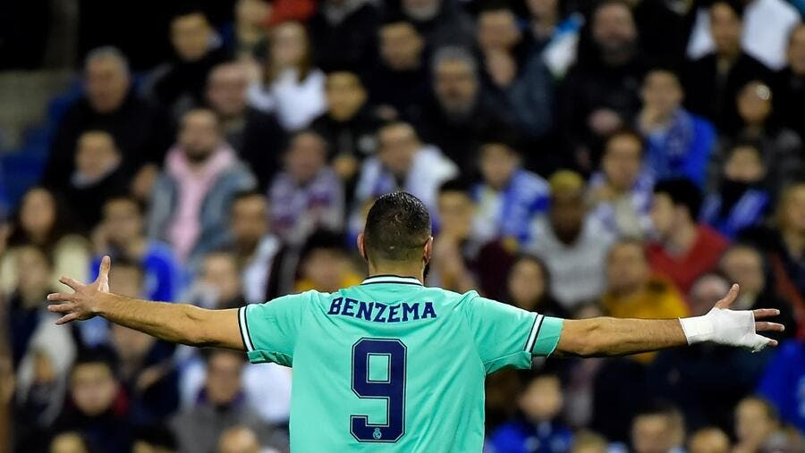Real Madrid's French forward Karim Benzema celebrates after scoring during the Copa del Rey (King's Cup) football match between Zaragoza and Real Madrid CF at La Romareda stadium in Zaragoza, on January 29, 2020. JOSE JORDAN / AFP