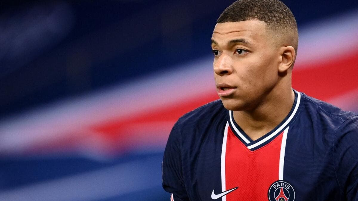 Leonardo, sporting director of the Ligue 1 giants, remains confident that fresh terms can be agreed with a number of senior stars at Parc des Princes (Photo: AFP)