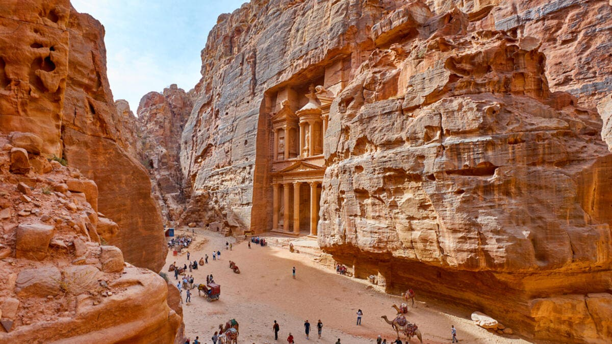 13. الأردن: ظل الاقتصاد الأردني يكافح هذا العام ويعكس نصيب الفرد من إجمالي الناتج المحلي ذلك. نصيب الفرد من الناتج المحلي الإجمالي في هذه القائمة هو 9.65 ألف.