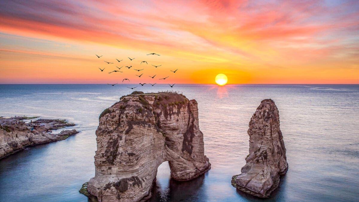 9. لبنان: على الرغم من كل التحديات الاقتصادية التي يواجهها لبنان ، فإن لبنان هو أغنى بلد عربي يبلغ إجمالي الناتج المحلي للفرد فيها 15.21 ألف.