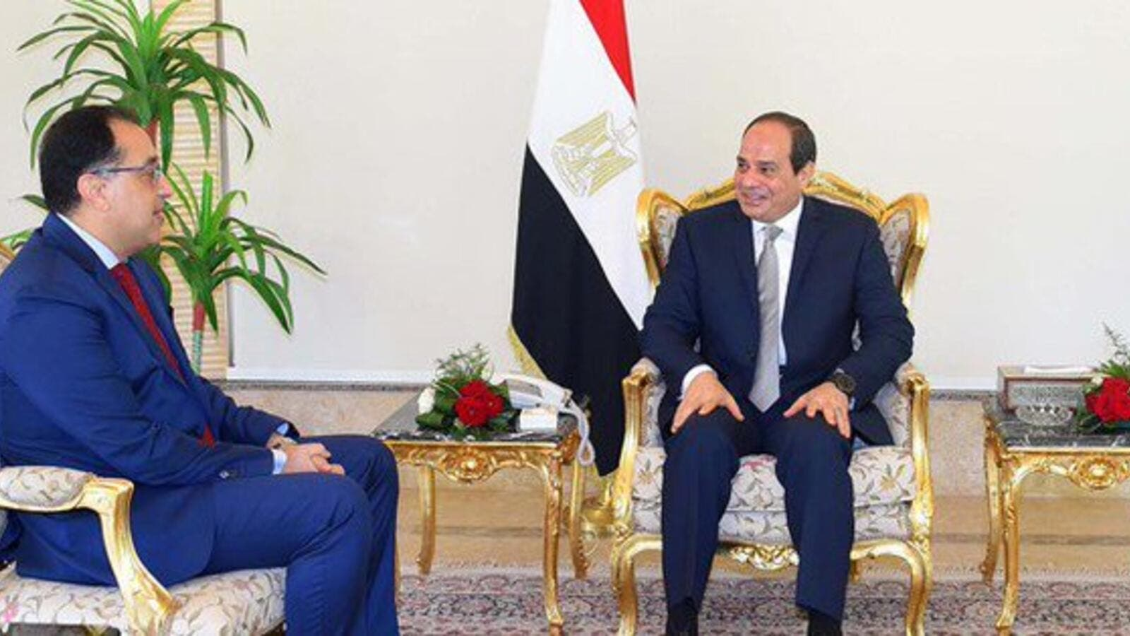 Egyptian Prime Minister Moustafa Madbouly (R) could lose his position  (Twitter)