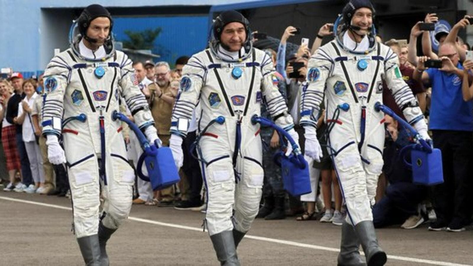 Three astronauts arrive at Int'l Space Station