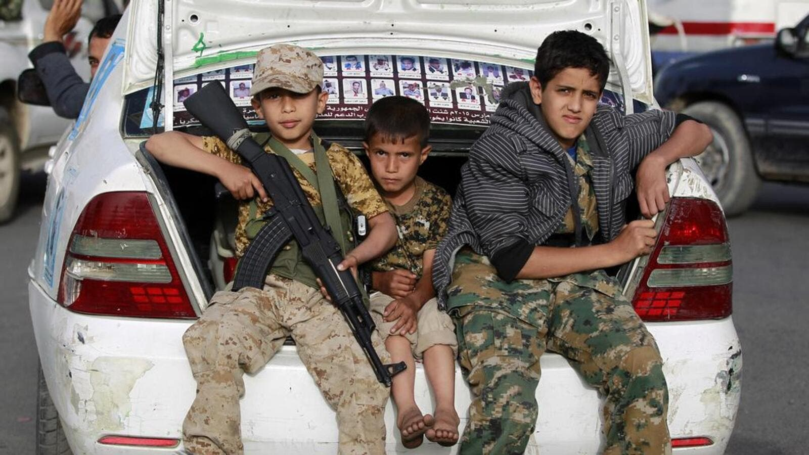 child soldiers in Yemen fighting for the Iranian-backed Houthis. (AFP/ File Photo)