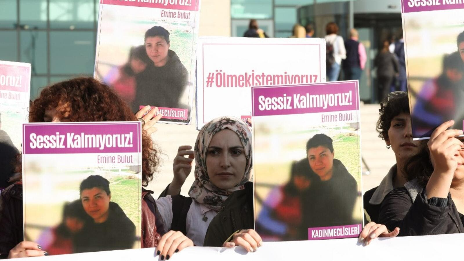 Women hold placards of Emine Bulut, who was killed by her husband, as they gather outside the Kırıkkale court house for the first hearing in the central Anatolian city of Kirikkale on October 9, 2019.  (AFP/ File Photo)