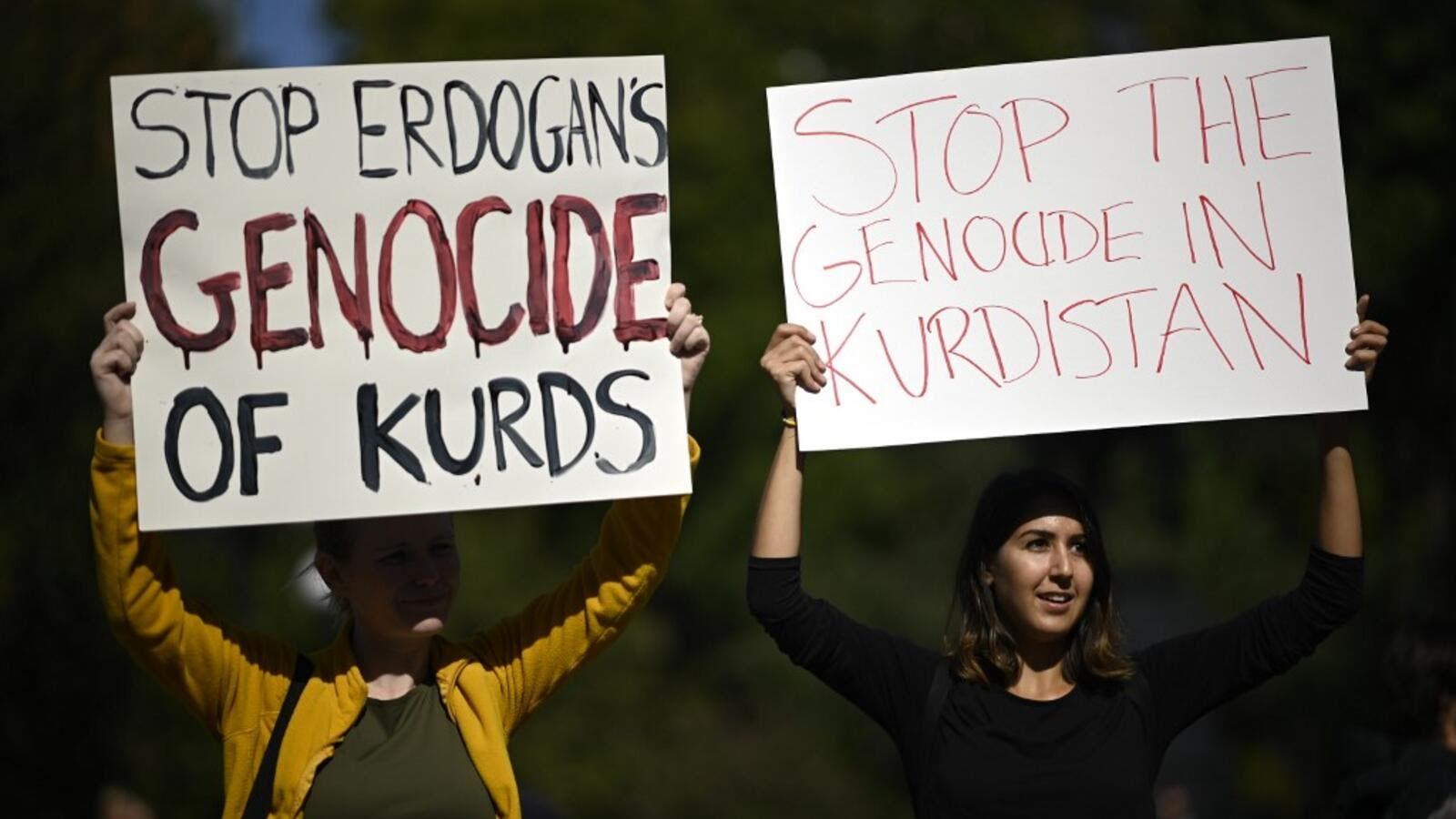 Protestors attend a demonstration against the Turkish military operation in northern Syria October 12, 2019 in New York City. (Johannes EISELE / AFP)