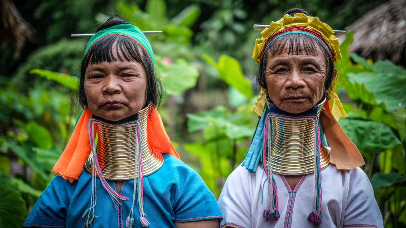 Portrait of Long-neck Asian Kayan Padaung women wearing a traditional neck rings brass coils in a small Padaung Tribe Village. (Shutterstock/ File Photo)