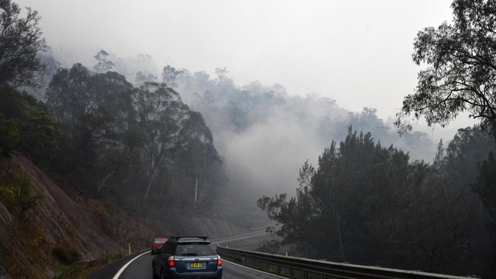 United States  sends more firefighters to help battle Australia blazes