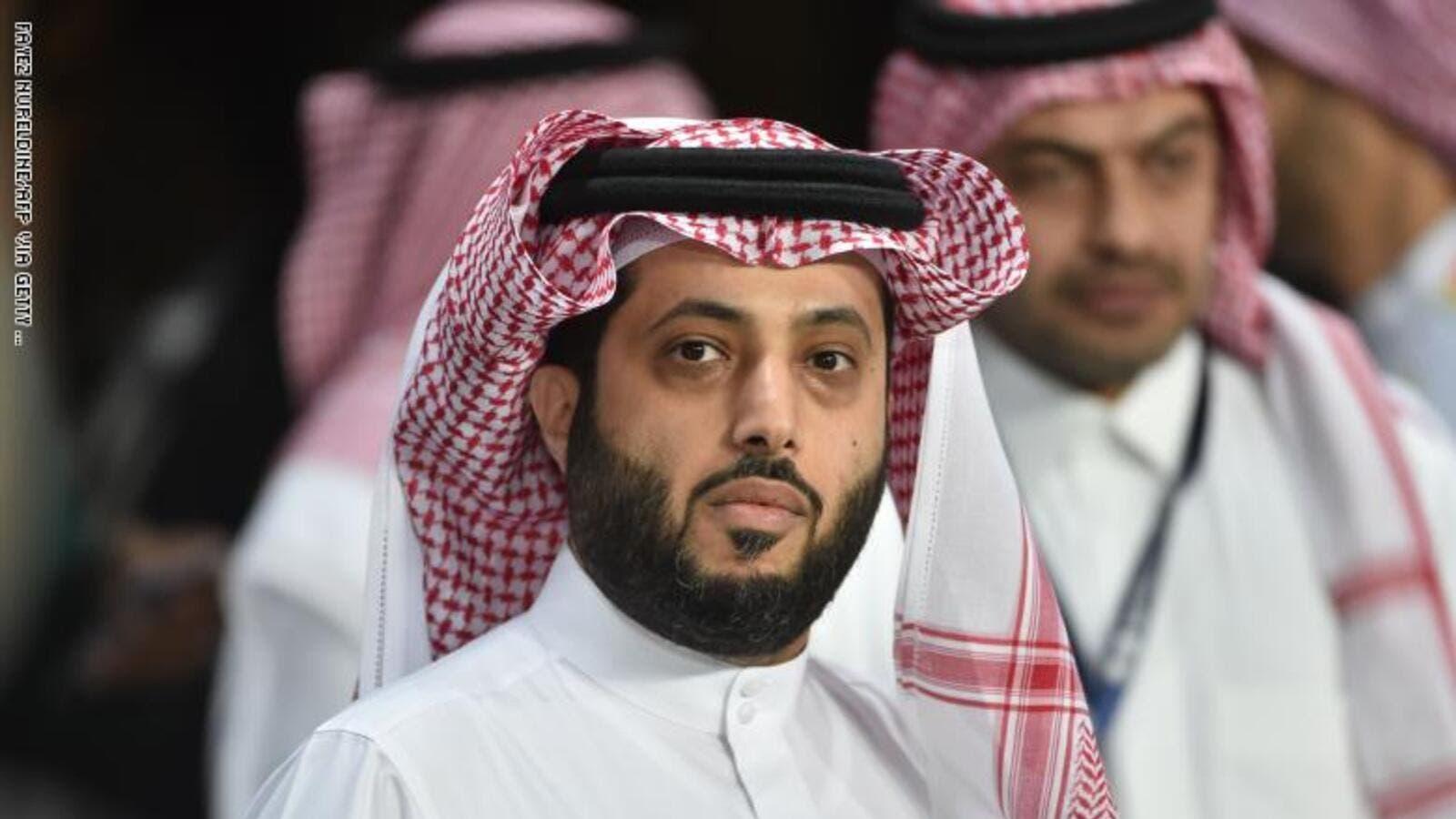 المستشار تركي آل الشيخ ي صدم جمهوره باللوك الجديد ما علاقة مرضه