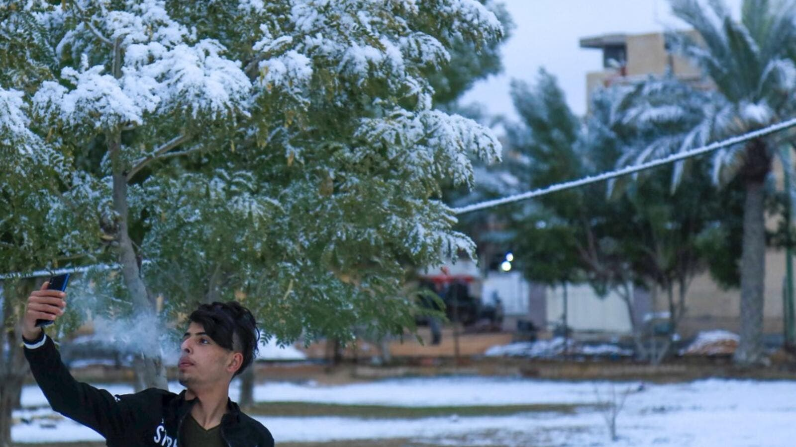 Snow Falls in Baghdad for First Time Since 2008