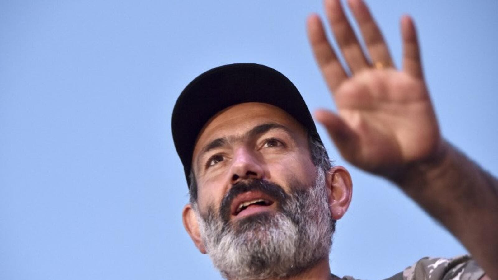 Armenian opposition leader Nikol Pashinyan calls on his supporters to take pause in civil disobedience campaign. (AFP/File Photo)