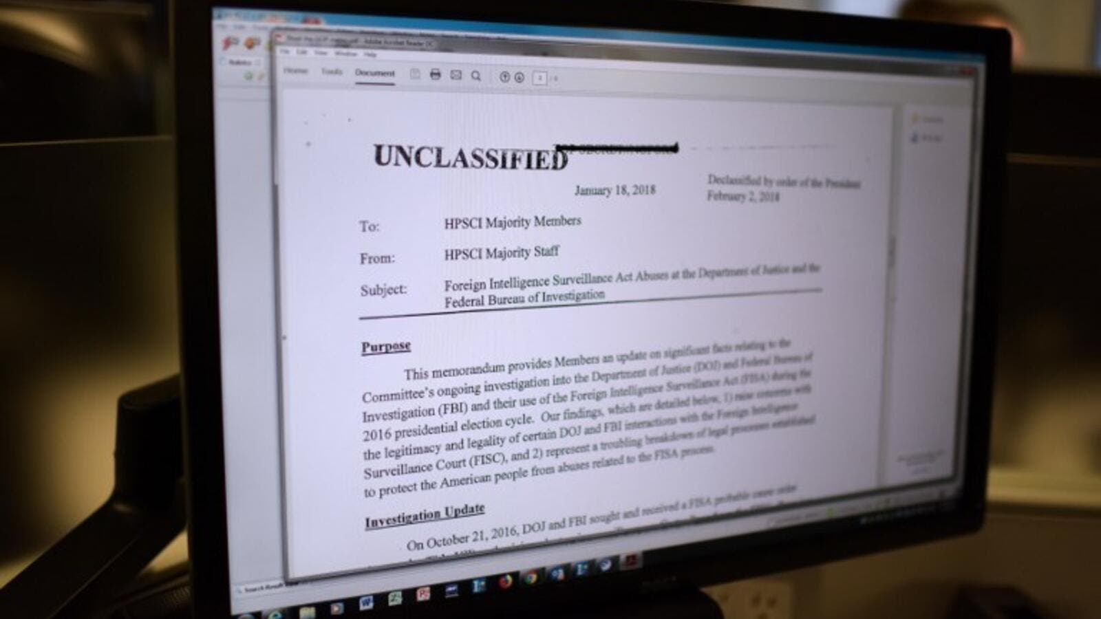 The Republican memo released by Congress is displayed on a journalist's computer screen at a newsroom in Washington DC, on Feb. 2, 2018. (Eric BARADAT / AFP)