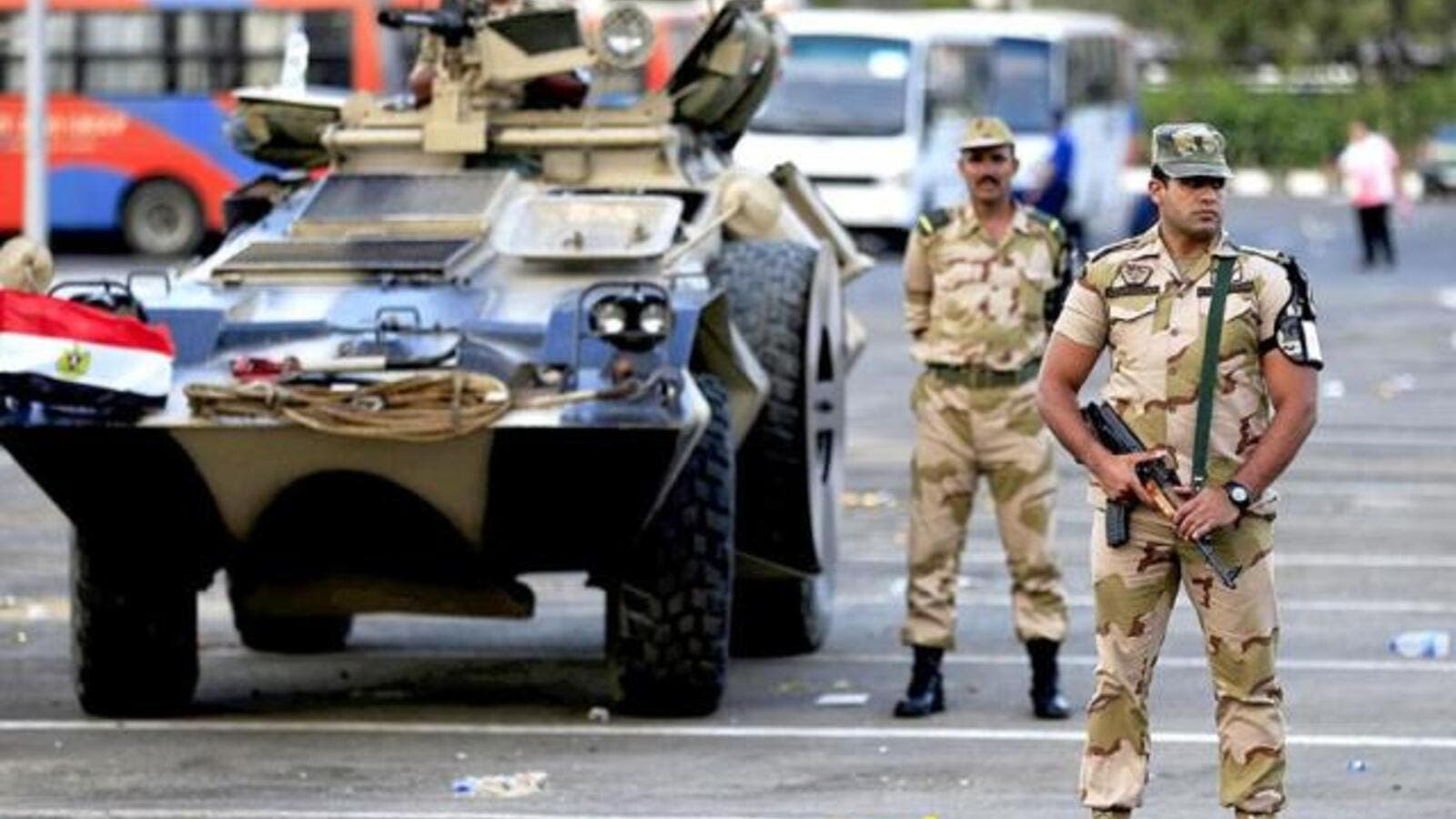 Egyptian soldiers stand guard (AFP/File Photo)