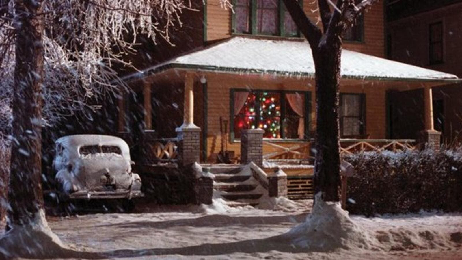 'A Christmas Story' was filmed in Cleveland, and the house the protagonist lives in was converted into a museum dedicated to the film (Twitter)