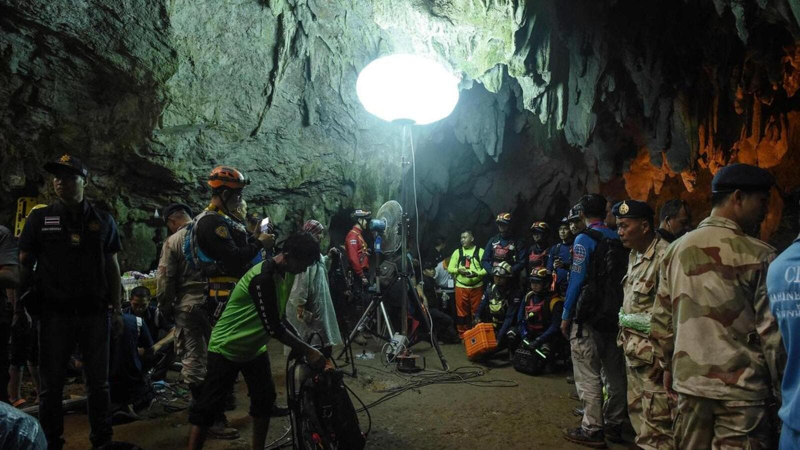 Thai rescue personnel at the entrance of Tham Luang cave in Chiang Rai province. (AFP/ File Photo)