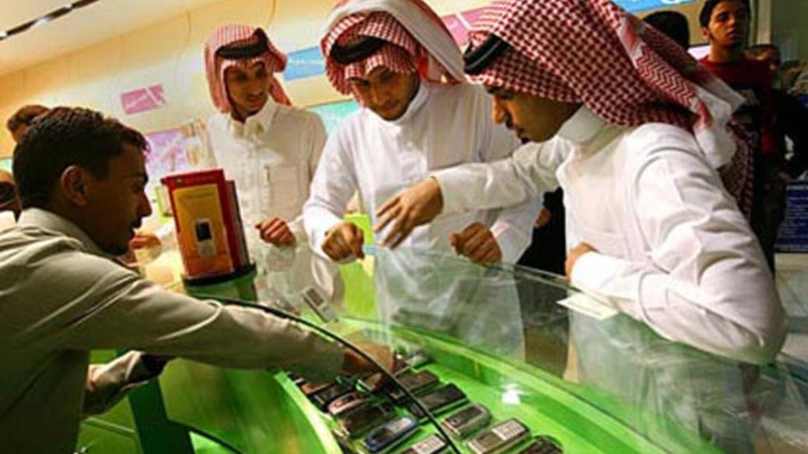 Saudi Arabia shutters over 1000 mobile phone shops over Saudization