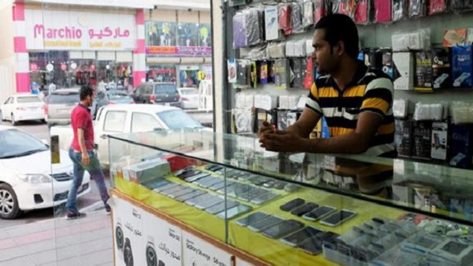 Over 1000 mobile phone shops close, falling foul of Saudization laws