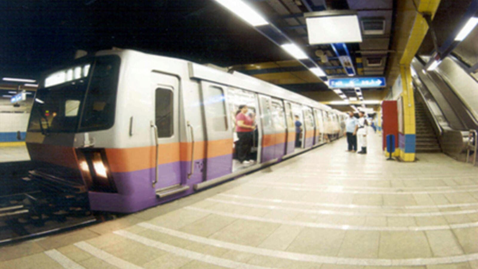 Last year, Egypt's transportation ministry announced it would double the price of Cairo's metro tickets to EGP 2 before the end of the 2016 fiscal year, but the changes were not implemented. (Wikimedia Commons)