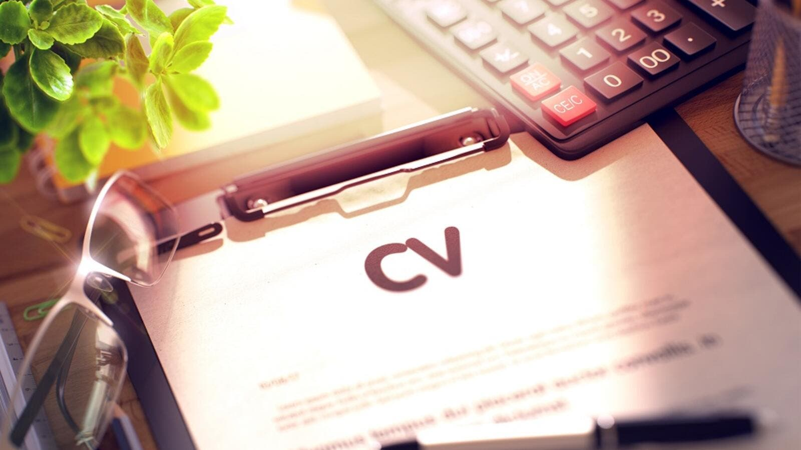 6 Factors That Make a CV Stand out From the Others. (Shutterstock)